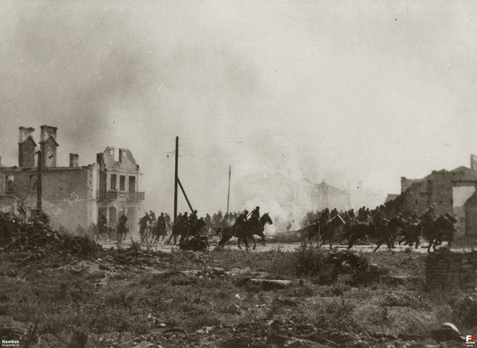 Fotos z filmu rozpowszechniany w literaturze historycznej