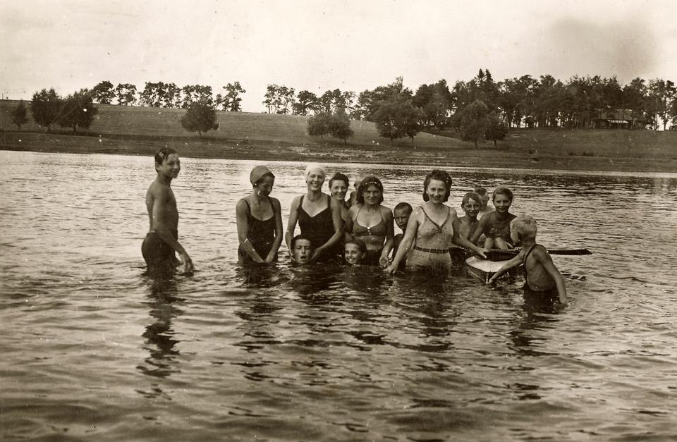 W tle Góra Choinkowska w czasie okupacji