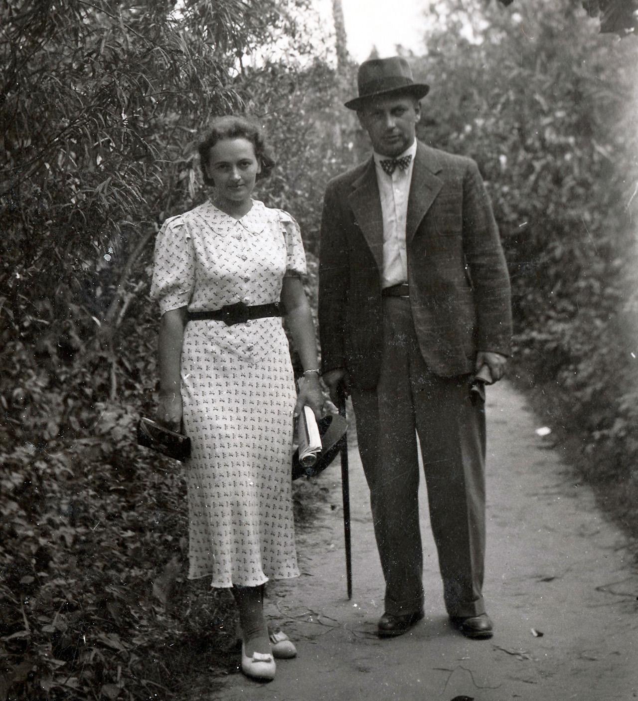 Apolonia z bratem, Bolesławem Czerwińskim - ok. 1936